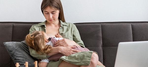10 Hal Produktif yang Bisa Ibu Lakukan saat Menyusui