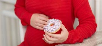10 Makanan yang Tidak Boleh Dimakan Saat Hamil