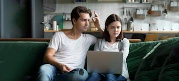 Mau Pernikahan Tetap Awet? Hindari 10 Masalah Komunikasi Ini
