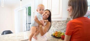 11 Cara Hadapi Anak yang Lebih Dekat Dengan Pengasuh Anak