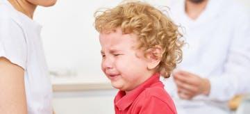 11 Cara Mengatasi Anak Cengeng di Fase Terrible Two