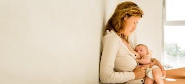 11 Mitos Paling Sering Menghantui Ibu Menyusui dan Faktanya!