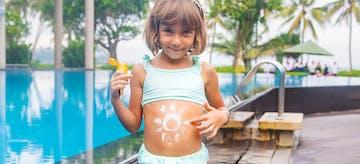 11 Rekomendasi Sunblock Untuk Anak yang Aman Buat Kulitnya