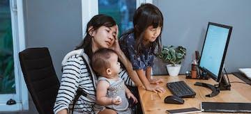 11 Tanda Stres Saat Mengasuh Anak yang Harus Diwaspadai