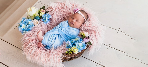 114 Ide Nama Bayi yang Artinya Bunga Untuk Si Kecil