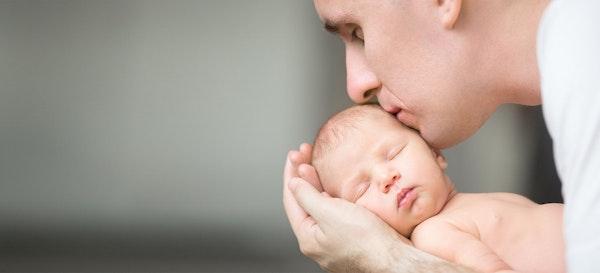 13 Cara Inspiratif Yang Bisa Ayah Coba Agar Lebih Dekat Dengan Bayinya