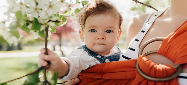 Cara Memilih Jenis Gendongan Bayi Yang Tepat