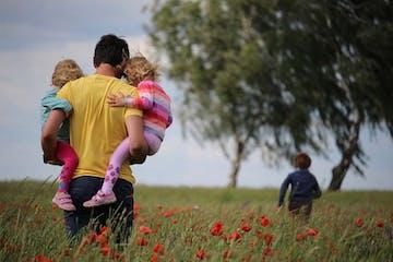 13 Peran Penting Ayah Pasca Ibu Melahirkan