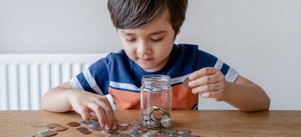 14 Kiat Mudah Mengajari Anak Menabung Sejak Dini