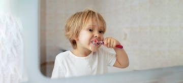 14 Merk Rekomendasi Sikat Gigi Anak dan Bayi, Lucu dan Unik