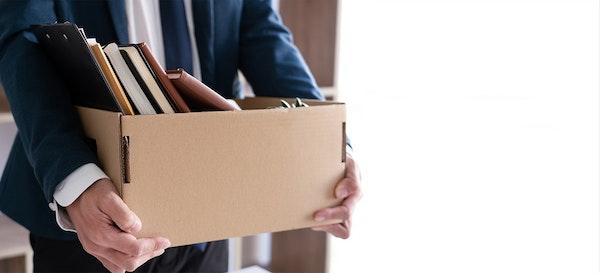 20 Cara Membantu Pasangan yang Kehilangan Pekerjaan