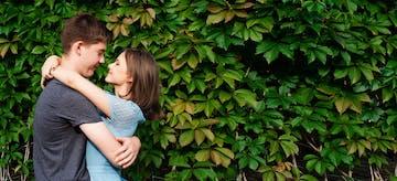 23 Tanda Suami Sayang Istri