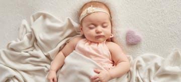 240 Ide Nama Bayi Perempuan Islami