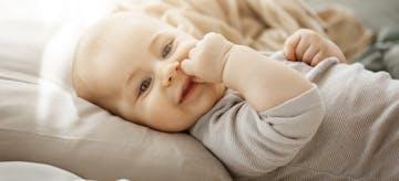 254 Nama Bayi dengan Arti Bahagia
