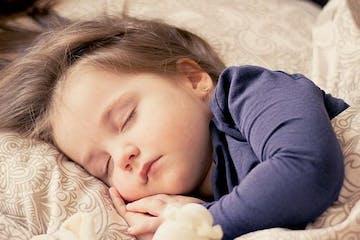 3 Cara Agar Bayi Tidur Tanpa Menyusu