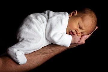 3 Jenis Kondisi Bayi Kuning dan Cara Menanganinya