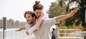 4 Keuntungan Perempuan yang Menikah di Usia 30an