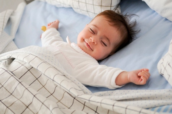 4 Langkah Mendisiplinkan Jam Tidur Anak