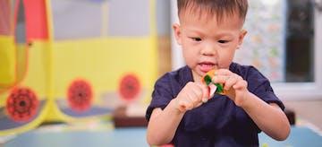 4 Manfaat dan Contoh Permainan Anak Sensory Play