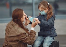 5 Aturan Baru Mencegah Covid-19 Pada Anak Saat di Luar Rumah
