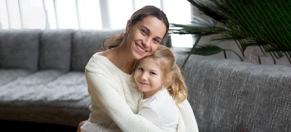 6 Cara Mengatasi Tantangan Mengasuh Anak untuk Single Parent