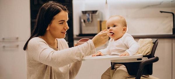 6 Rekomendasi Kursi Makan Bayi Pilihan Ibu