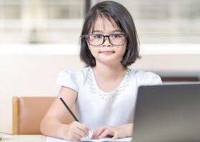 6 Rekomendasi Merk Kacamata Anti Radiasi Untuk Anak