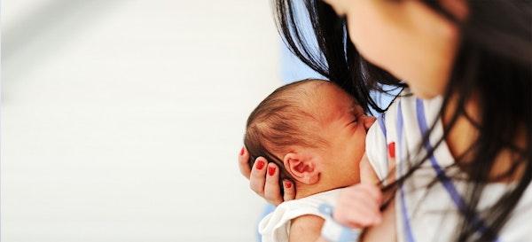 6 Tips Puasa untuk Ibu Menyusui agar ASI tetap Lancar