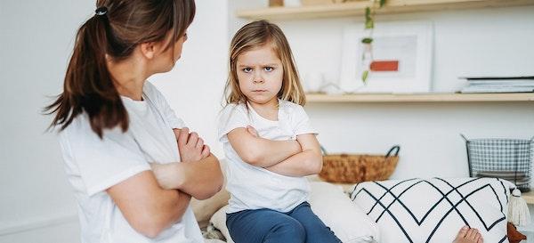 7 Kalimat Terlarang dalam Cara Mendidik Anak yang Baik
