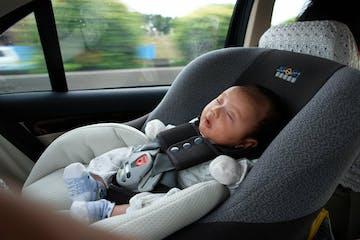 7 Kesalahan Orangtua saat Membawa Anak Dengan Mobil