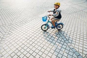 8 Cara Mengajarkan Anak Naik Sepeda