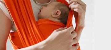 9 Manfaat Menggendong Bayi Dengan Metode Kangguru