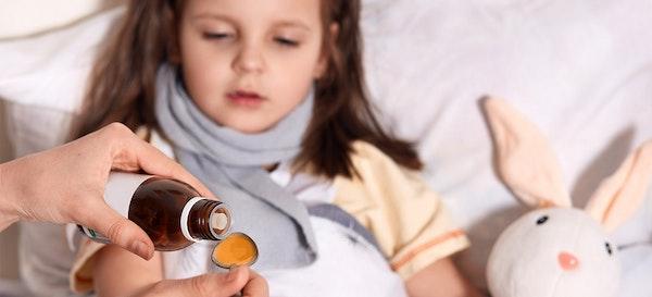 9 Rekomendasi Merek Obat Demam Anak