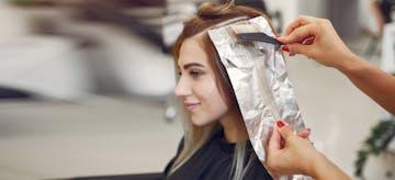 Amankah Mewarnai Rambut Saat Hamil?