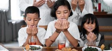 Belajar Doa Sebelum dan Sesudah Makan, Lengkap dengan Arti