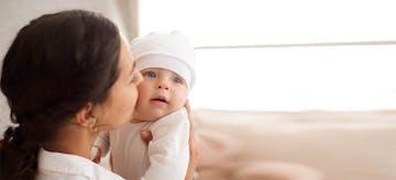 Perkembangan Bayi 1-6 Bulan