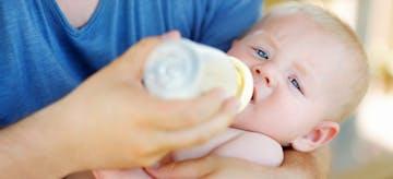 Hindari 10 Hal Ini Saat Berikan Susu Formula Untuk Anak
