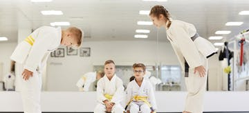 Ingin Anak Sehat dan Disiplin? Coba Olahraga Bela Diri Ini!