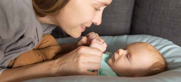 Kapan Bayi Mulai Bicara?