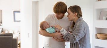 Kenali 10 Penyebab Bayi Menangis Terus