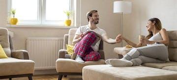 Kenali Dulu Cirinya Sebelum Menghadapi Pasangan Ekstrovert
