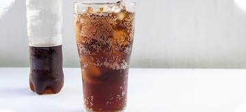 Know This Fact! Bolehkah Balita Minum Soda?