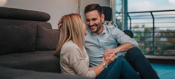 Makin Mesra! Ini Resep Jitu Menjalin Komunikasi dengan Pasangan