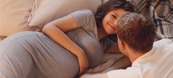 Malas Berhubungan Intim Saat Hamil? Ini Penyebabnya!