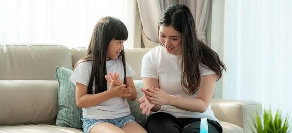Masuk Masa New Normal, Ajari Anak Gerakan Tangan Ini Demi Kesehatannya