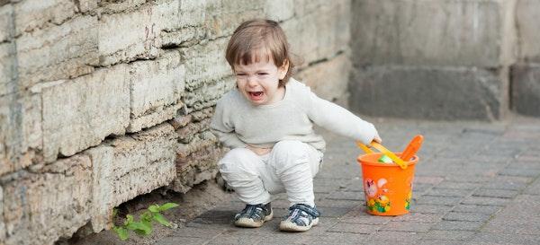 Menghadapi Anak yang Sedang Marah atau Tantrum