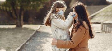 Orang Tua Over Protektif Jadi Penyebab Anak Minder