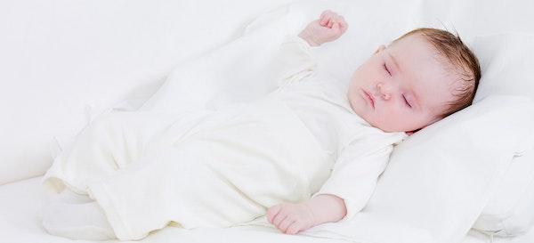Posisi Tidur Bayi yang Paling Aman dan Nyaman