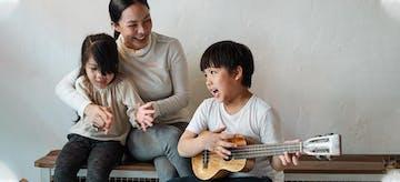Rayakan 17 Agustus Di Rumah, Ajari Si Kecil Belajar Lagu Perjuangan