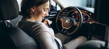 Tips Aman Untuk Ibu Hamil Saat Naik Mobil